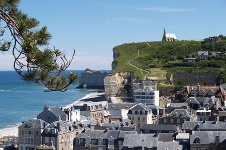 New dimanche falaises plage d 39 etretat polyglot club event in france paris - Office de tourisme d etretat ...